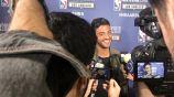 Carlos Vela atiende a los medios en el NBA All-Star Weekend