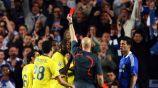 Ovrebo expulsa a un jugador en el encuentro de Barcelona contra Chelsea