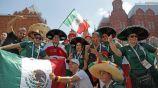 Aficionados mexicanos, en una plaza de Rusia