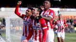 Hirving Lozano celebra su gol contra Venlo
