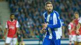 Herrera festeja gol con el Porto