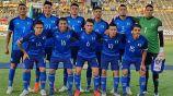 Jugadores de El Salvador, antes de medirse a Curazao