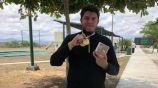 Jorge Orozco muestra sus medallas
