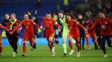 Jugadores de Gales celebrando la clasificación a la Euro 2020