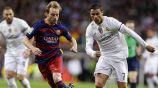 Rakitic y Cristiano Ronaldo durante un duelo en España