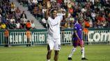 Ronaldinho durante un partido de leyendas