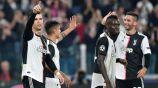 Cristiano Ronaldo y jugadores de la Juventus festejan un gol