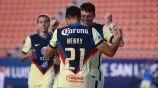 Henry Martín y Federico Viñas festejan un gol
