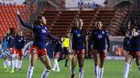 Norma Palafox celebrando un gol con Chivas Femenil