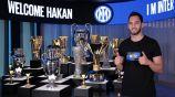 Inter de Milán: Hakan Calhanoglu firmó con los nerazzurri tras no renovar con AC Milan