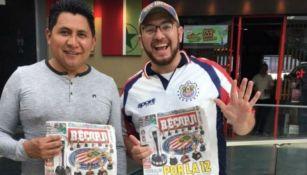 Ganadores de Chivas que llegaron a Chili's con su diario