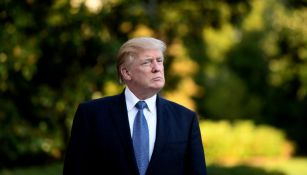 Donald Trump se dirige a una conferencia de prensa
