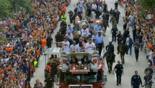 Houston aplaude y celebra título de Astros en la Serie Mundial