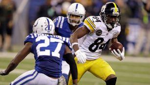 Antonio Brown escapa a la marca defensiva de los Colts
