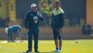 Miguel Herrera, durante el entrenamiento con América