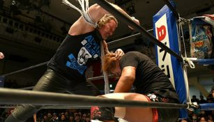 Chris Jericho ataca a Tetsuye Naito en NJPW
