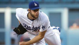 Clayton Kershaw en un partido con Dodgers