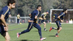 Barrera realiza actividad física con Pumas