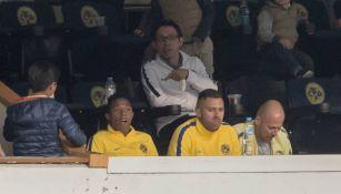 Ménez e Ibargüen observan el juego desde un palco del Azteca