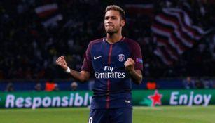 Neymar celebra una anotación con el PSG