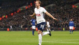 Kane celebra una anotación con el Tottenham en Premier