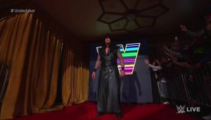 Undertaker volvió a aparecer en los cuadriláteros