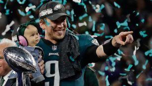 Nick Foles celebra tras la victoria en el Super Bowl