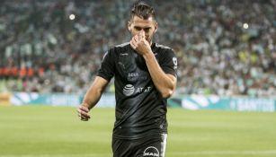 Nicolás Sánchez, tras ser expulsado del juego Santos vs Rayados
