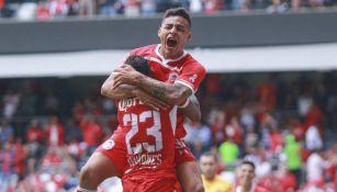 Vega festeja su gol frente a Querétaro