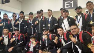 La Selección Mexicana de Beisbol U-23 presume su medalla