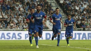 Cruz Azul festeja gol contra Monterrey en el BBVA Bancomer