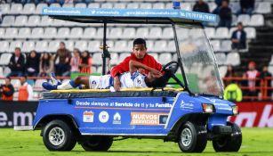 Pablo López se retira en el carrito de las desgracias