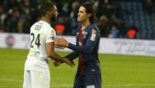 Coco y Cavani en acción durante el partido de Cuartos de Final
