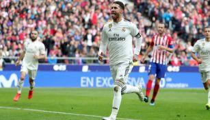 Ramos festeja tras anotarle al Atlético de Madrid