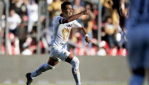 Pablo Barrera festeja su gol ante Querétaro