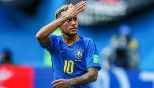 Neymar en un partido con la selección de Brasil