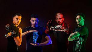 Jugadores de la Premier posan con calzado deportivo inspirado en Anthem