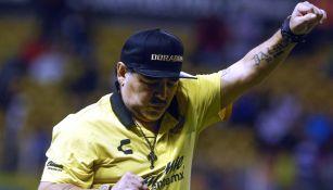 Diego Armando Maradona durante un encuentro ante el San Luis