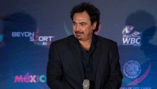 Hugo Sánchez durante un evento público