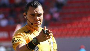 Marco Antonio Ortiz, en un duelo de la Liga MX
