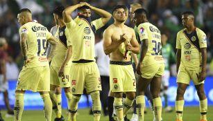 Jugadores del América en lamento tras caer ante León