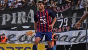 Juan Escobar, en un partido de Cerro Porteño