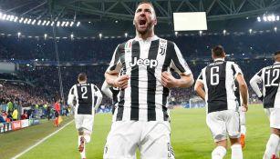 Higuaín celebra una anotación con la Juventus en 2018