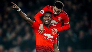 Pogba celebra gol con Manchester United