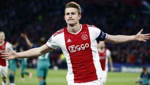 Matthijs de Ligt celebra un gol con el Ajax