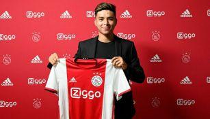 Alex Méndez presume la elástica del Ajax