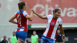 Janelly Farias y Dania Pérez celebran anotación contra Puebla