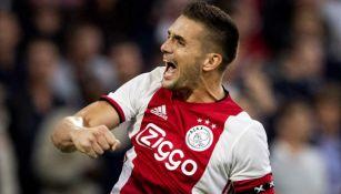 Tadic festeja gol contra PAOK