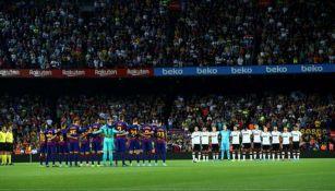 Barcelona y Valencia guardan minuto de silencio