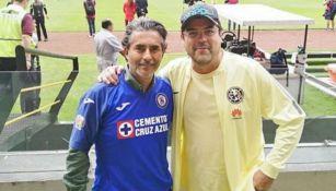 Jorge Van Rankin y Raúl Araiza en el estadio Azteca